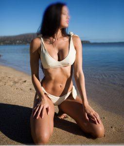 https://australiacracker.com.au/wp-content/uploads/2019/04/escort-Sydney-2_IMG_6815-255x300.jpg
