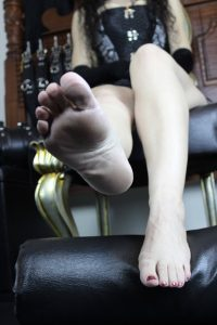 https://australiacracker.com.au/wp-content/uploads/2019/05/escort-Perth-5_1 First - BareFeet3Opt-200x300.jpg