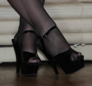 https://australiacracker.com.au/wp-content/uploads/2019/06/escort-Perth-3_Open_Shoes_Feet_Crossed_Ath-300x281.jpg