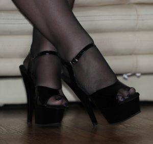 https://australiacracker.com.au/wp-content/uploads/2019/06/escort-Perth-4_Open_Shoes_Feet_Crossed_Ath-300x281.jpg